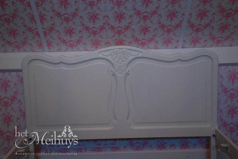 Brocant barok Queen Ann shabby chic wit bed